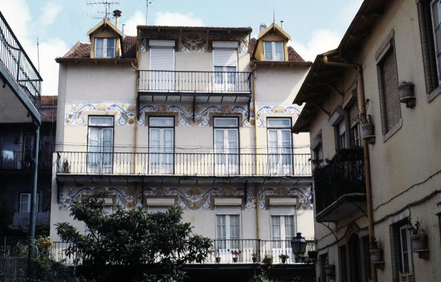 casas mostrando portas e janelas-