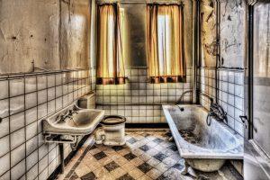 banheiro mostrando a janela